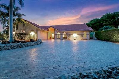 Marco Island Single Family Home For Sale: 900 Montego Ct