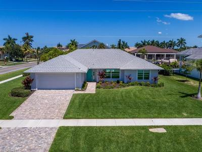Marco Island Single Family Home For Sale: 601 Hernando Dr