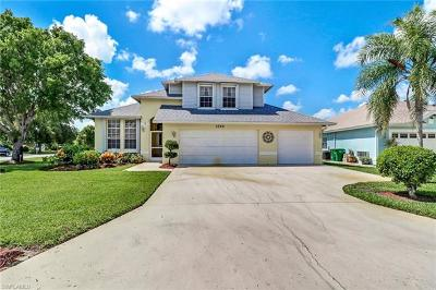 Naples Single Family Home For Sale: 3745 Weymouth Cir