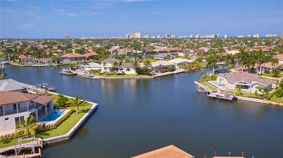 Marco Island Single Family Home For Sale: 1731 Canary Ct