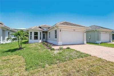 Naples Single Family Home For Sale: 2705 Linda Dr