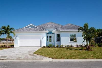 Naples Single Family Home For Sale: 15 Willoughby Dr