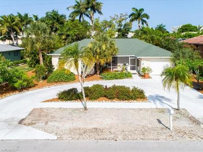 Marco Island Single Family Home For Sale: 170 Greenbrier St