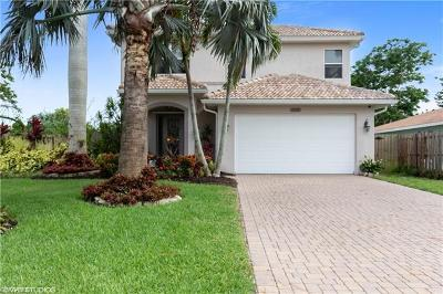 Naples Park Single Family Home For Sale: 636 102nd Ave N