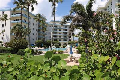 Marco Island Condo/Townhouse For Sale: 220 Seaview Ct #204