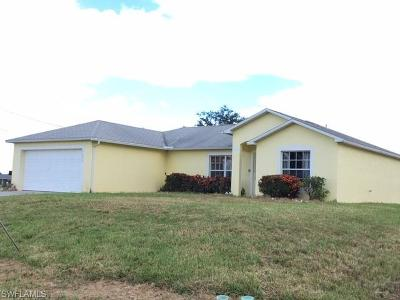Lee County Single Family Home For Sale: 1131 SW 4th Ln
