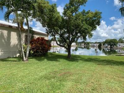Naples Condo/Townhouse For Sale: 293 Imperial Wilderness Blvd #293
