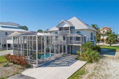 Bonita Springs Single Family Home For Sale: 26635 Hickory Blvd