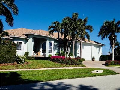 Marco Island Single Family Home For Sale: 1151 Ludlam Ct
