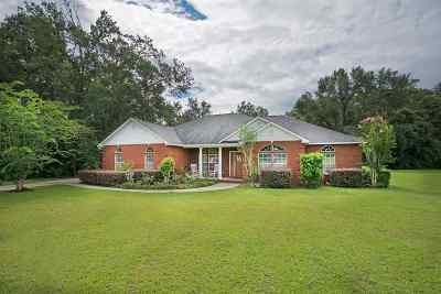 Gadsden County Single Family Home For Sale: 160 Red Bird Road