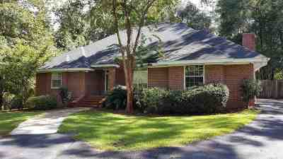 Huntington Estates Single Family Home For Sale: 3713 Dorset Way