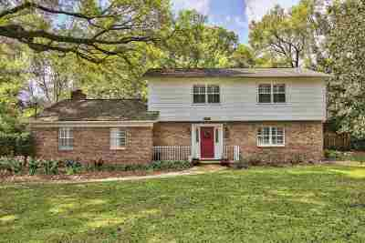 Betton Hills Single Family Home For Sale: 2103 Ellicott Drive