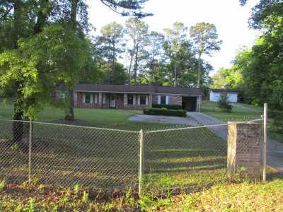 Gadsden County Single Family Home For Sale: 246 Selman Rd