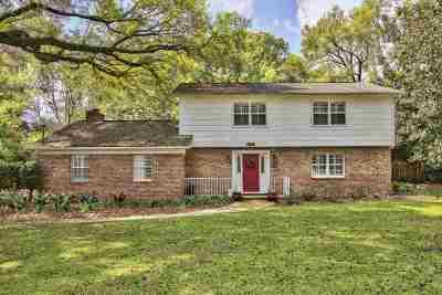 Betton Hills Single Family Home For Sale: 2103 Ellicott Drive