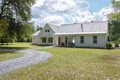 Lloyd, Tallahassee, Monticello, Lamont, Quincy, Havana, Wacissa, Crawfordville, Woodville Single Family Home For Sale: 221 Tiger Hammock Road