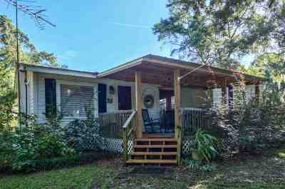 Gadsden County Single Family Home For Sale: 42 Clearwater Street