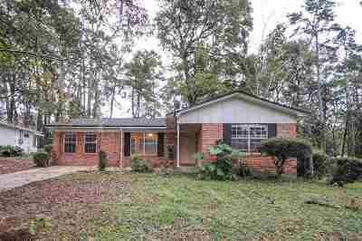 Lake Jackson Heights Single Family Home New: 2129 Longview Dr
