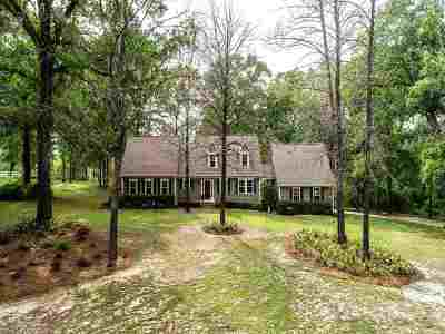 Tallahassee Single Family Home Reduce Price: 4574 Whispering Oaks Drive