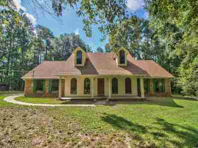Tallahassee Single Family Home Contingent: 4573 Scawthorn Drive