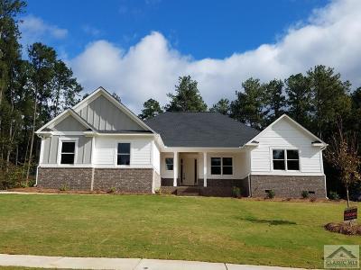 Jackson County Single Family Home Active Active: 410 Bear Creek Lane