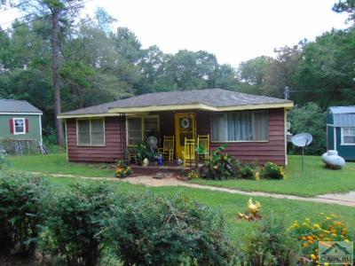 Barrow County Single Family Home Active Active – Pending Cont: 1532 Howard-Cooper Rd