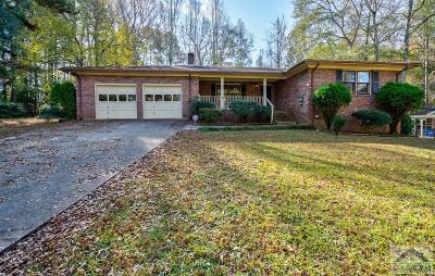 Single Family Home Active Active: 375 Rocky Dr