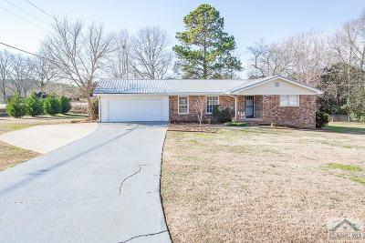 Oconee County Single Family Home Active Active: 1001 Arrowhead Rd