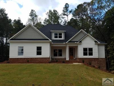 Single Family Home Active Active: 184 Bear Paw Court