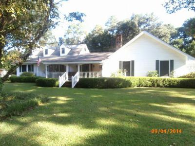 Lee County Single Family Home For Sale: 111 Northampton Road