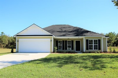 Lee County Single Family Home For Sale: 108 Alder Drive