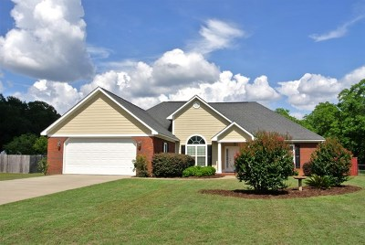 Lee County Single Family Home For Sale: 122 Elejay Court