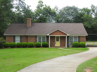 Lee County Single Family Home For Sale: 115 Halifax Pl