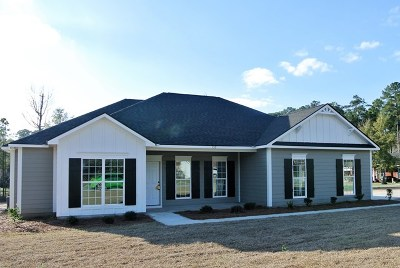 Lee County Single Family Home For Sale: 129 Alder Drive
