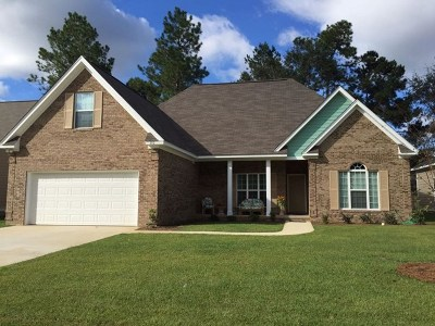 Lee County Single Family Home For Sale: 110 Senah, Dr