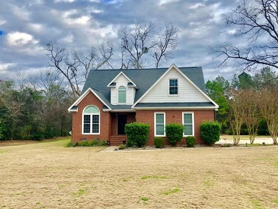 Lee County Single Family Home For Sale: 204 Fowler Drive