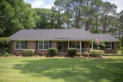 Lee County Single Family Home For Sale: 164 Churchill Circle