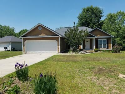 Lee County Single Family Home For Sale: 136 Birchwood Drive