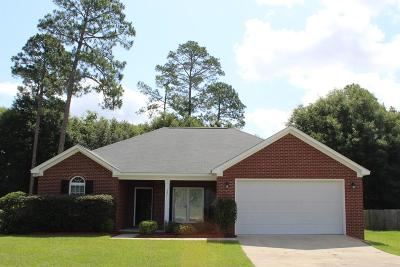 Lee County Single Family Home For Sale: 137 Pine Arbor Drive