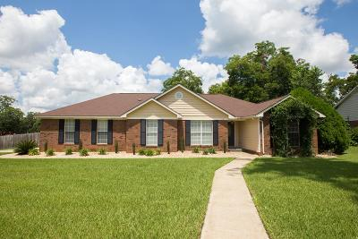 Lee County Single Family Home For Sale: 116 Lynwood Lane