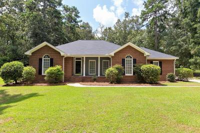 Lee County Single Family Home For Sale: 209 Danbury Lane