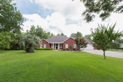 Lee County Single Family Home For Sale: 118 Wadsworth Road