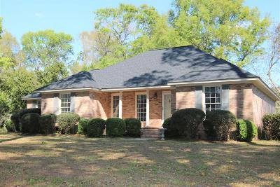 Lee County Single Family Home For Sale: 1465 Lovers Lane Road