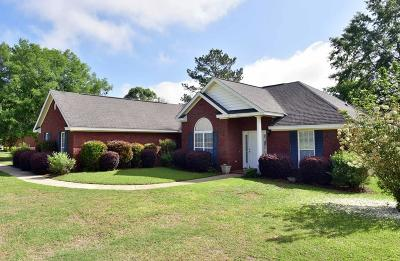 Lee County Single Family Home For Sale: 121 Willow Lake Drive