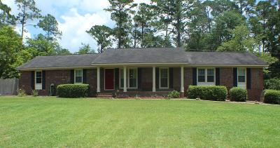 Lee County Single Family Home For Sale: 217 Churchill Circle