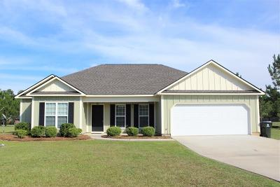 Lee County Single Family Home For Sale: 171 White Oak Dr