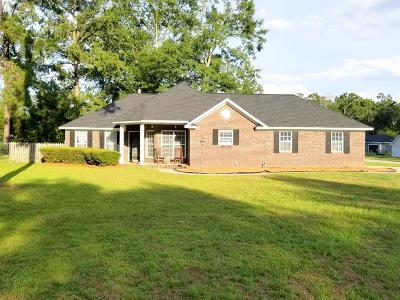 Lee County Single Family Home For Sale: 179 Stapleton Drive