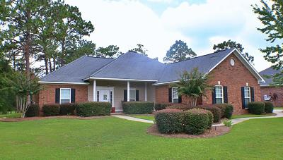 Lee County Single Family Home For Sale: 201 Lazy Acres Road