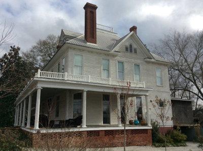 Single Family Home For Sale: 200 E Union Street