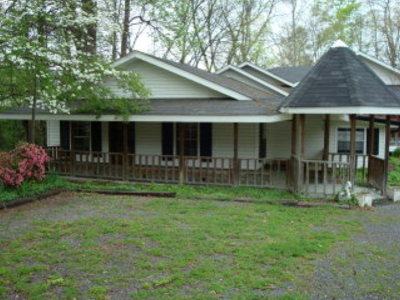 Catoosa County, Whitfield County, Murray County Commercial For Sale: 1422 Mineral Springs Road