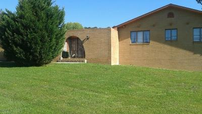 Chatsworth, Eton Single Family Home For Sale: 812 Fort Street